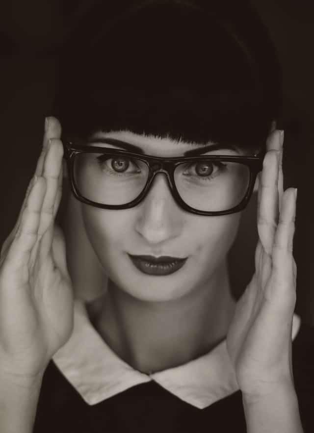 smart lady glasses